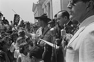 Faubus speaking to a crowd of protesters